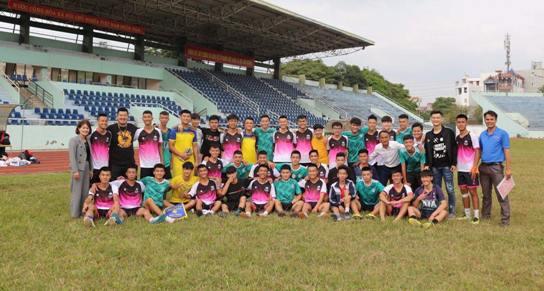 Giao hữu bóng đá giữa Đoàn TN trường THPT Lương Văn Tri và Đoàn trường THPT Hoàng Văn Thụ.jpg